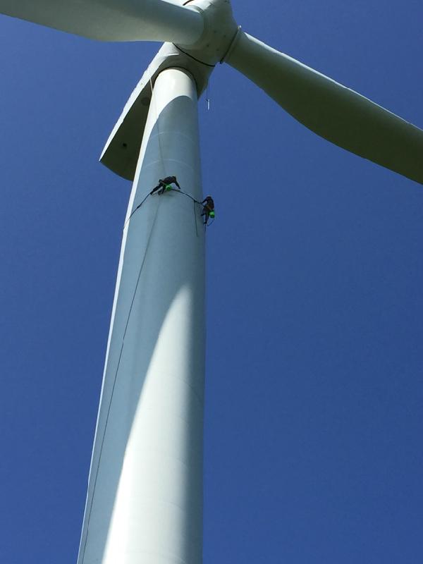 风电塔筒高空补漆