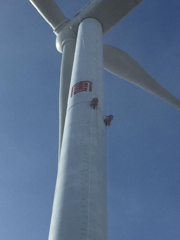 风机塔筒高空补漆